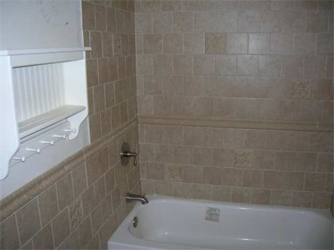 Bathroom Remodel Subway / stagered tile work